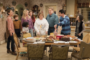 'Roseanne' Canceled By ABC Following Star's Racist Tweets